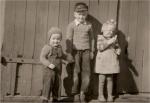 1959 - Vor der Scheune